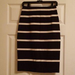 Banana Republic black and white skirt NEW